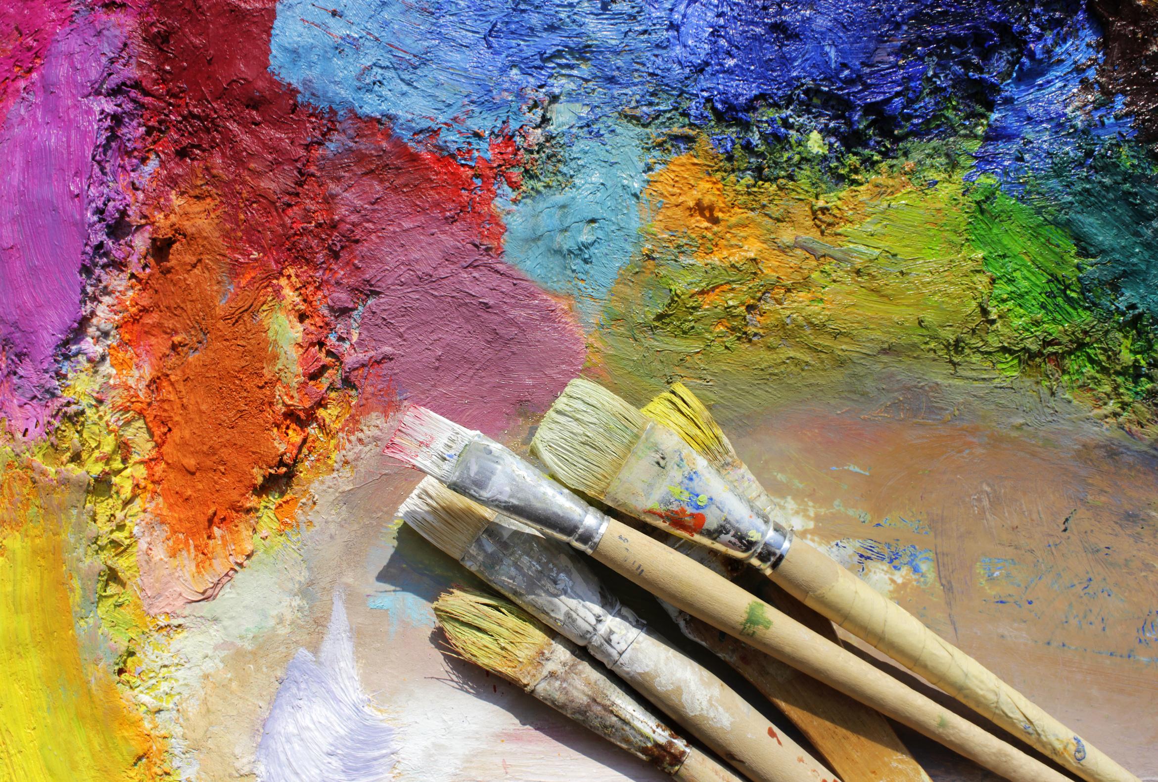 palette mit pinseln