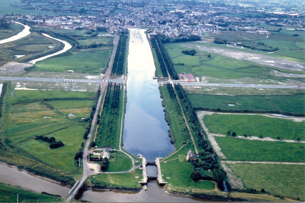 ville-carentan-pont-canal1-1030x687